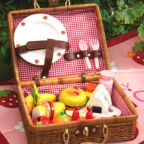 MG Brown Picnic Basket